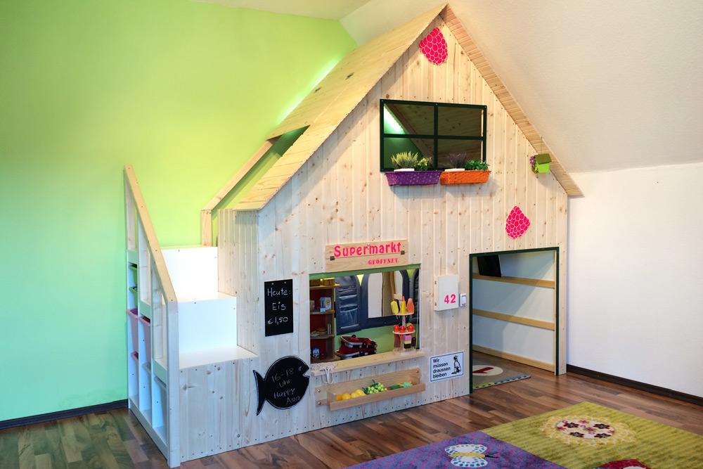 Die Himbeerlounge - unser DIY-Spielhaus für Kinder.
