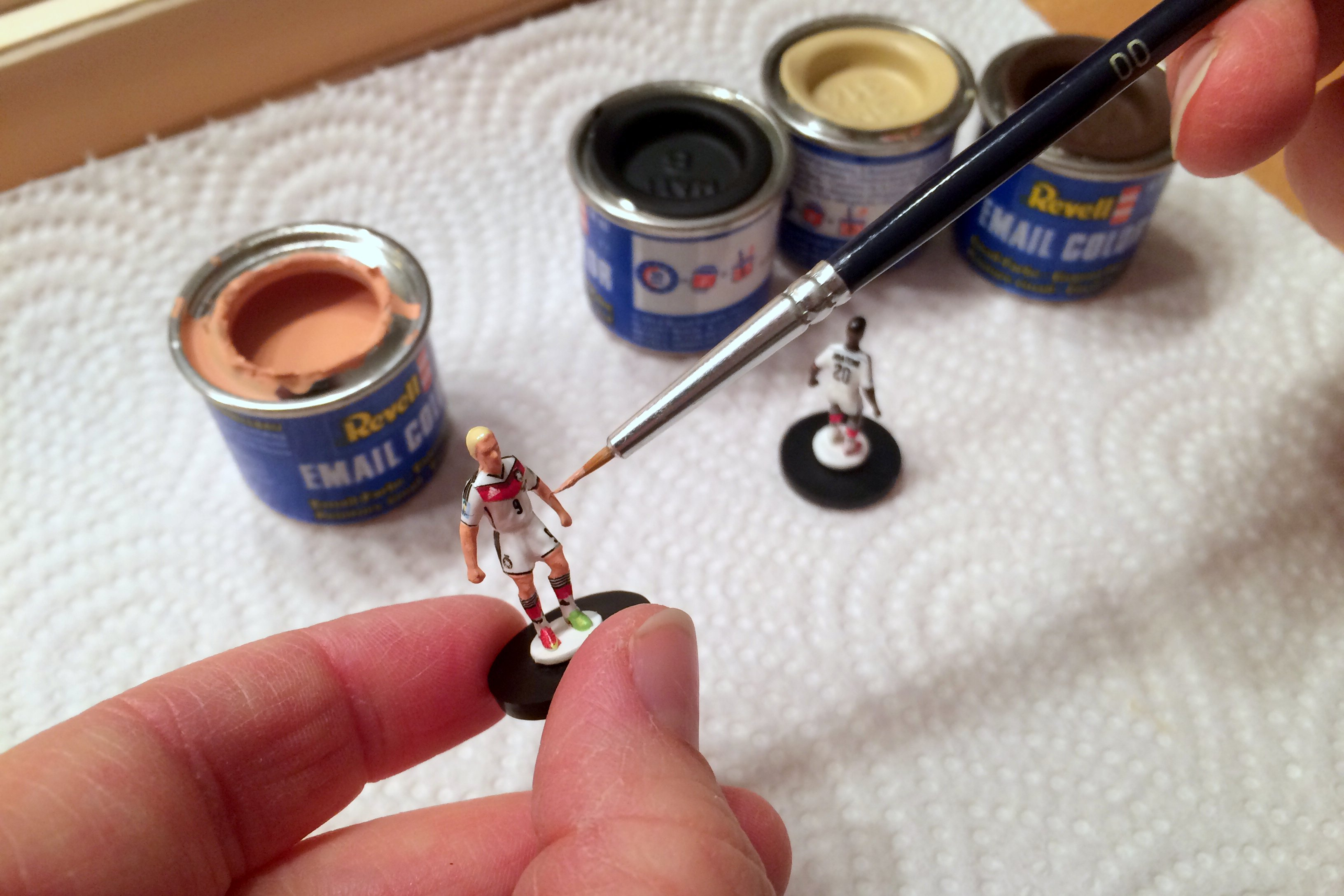 Painting Subbuteo teams 6